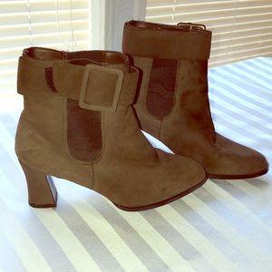 Colin Stuart brown heel boots